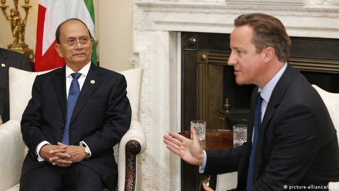 epa03788689 President of Myanmar, Thein Sein (L) meets with British Prime Minister David Cameron (R) in 10 Downing Street, London, Britain, 15 July 2013. Thein Sein is on an official visit to Britain. EPA/SANG TAN / POOL - eingestellt von gri