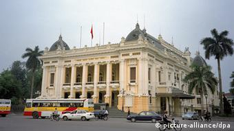 Hanoi Opera House (Photo: Timo Toivanen)
