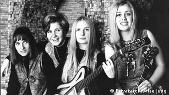 The four members of The Rag Dolls in a black and white photo Copyright: Privatarchiv Ilse Jung