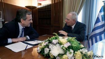 German Finance Minister Wolfgang Schaeuble (R) meets Greek Prime Minister Antonis Samaras in Athens July 18, 2013. . REUTERS/John Kolesidis (GREECE - Tags: POLITICS BUSINESS)