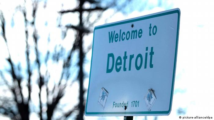 Streetsign for Detroit, Michigan, USA. (EPA/JEFF KOWALSKY)