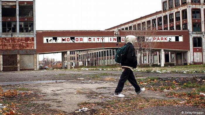 Detroit ha perdido un millón 700 mil habitantes en los últimos años.