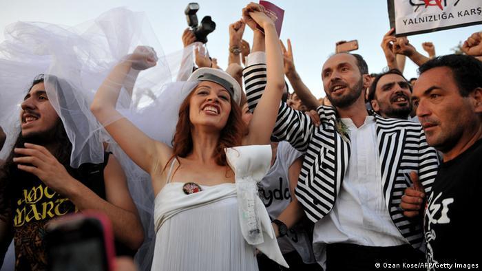 Юни 2013: демонстранти в парка Гези