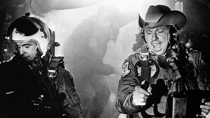 Film still from Dr. Strangelove or: How I Learned to Stop Worrying and Love the Bomb (imago)
