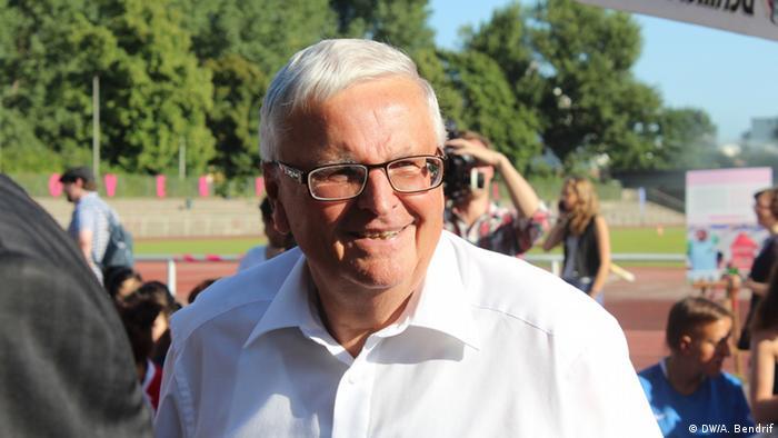 تئو تسوانتسیگر از سال ۲۰۰۴ تا ۲۰۱۲ مسئولیت هدایت فدراسیون فوتبال آلمان را به عهده داشت. او در سالهای ۲۰۰۴ تا ۲۰۰۶ به طور مشترک با گرهارد مایر فورفلدر، رئیس فدراسیون فوتبال آلمان بود. دوران ریاست تسوانتسیگر مصادف بود با دومین میزبانی آلمان در جام جهانی فوتبال که در سال ۲۰۰۶ برگزار شد.