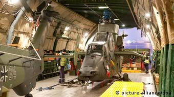 Bundeswehr Kampfhubschrauber Tiger Masar-i-Scharif Flugfeld Afghanistan Abzug Deutschland Logistik