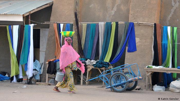 Straßenhändler in Gao. (Foto: Katrin Gänsler)