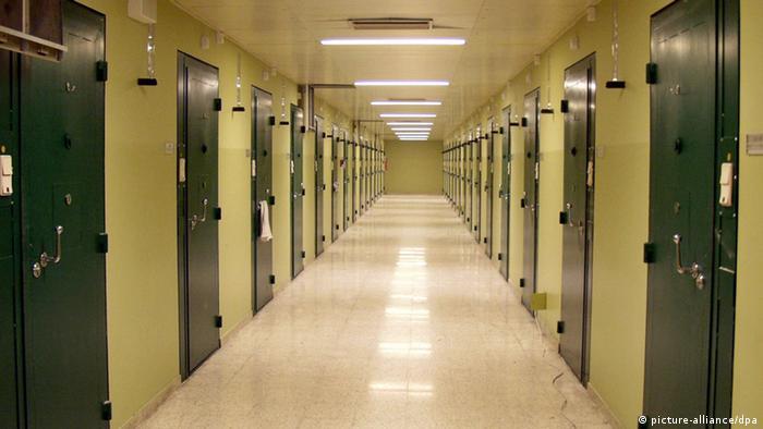 نرخ اشغال زندانها در اتریش بیش از ۱۰۰ درصد است، در حالی که اتریش جزو کشورهایی محسوب می شود که شمار زندانیان در آنها نسبت به هر ۱۰۰ هزار نفر جمعیت پایینتر از میانگین اروپایی است (عکس: زندان یوزف اشتات در وین)