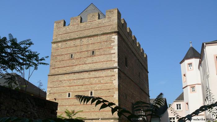 Frankenturm von außen im Stadtbild Trier (Frederike Müller)