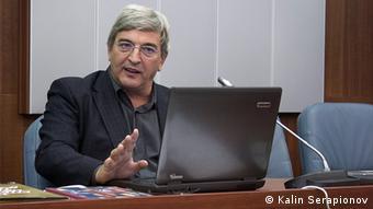 Ал. Кьосев: Образованието трябва да осигурява относително равен старт. Не и в България.