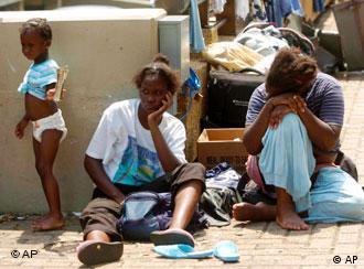 Katrina's victims still wait for help