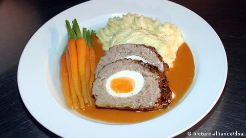 Falscher Hase meat loaf (Copyright: dpa)