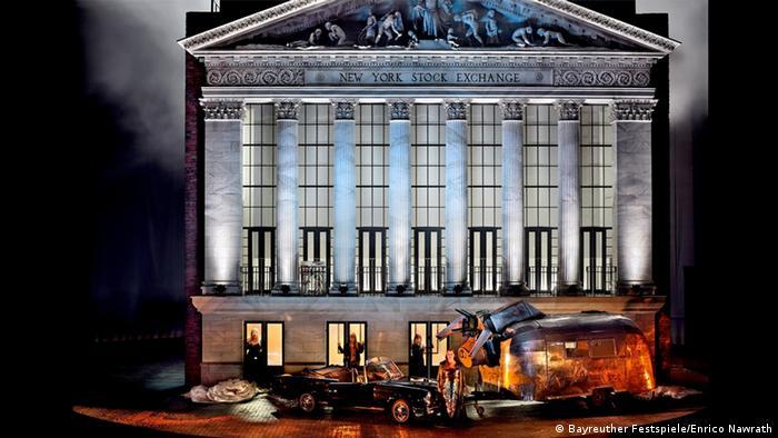Wall Street es el Walhalla, según Castorf, remontándose a una idea del propio Wolfgang Wagner en los años 60.