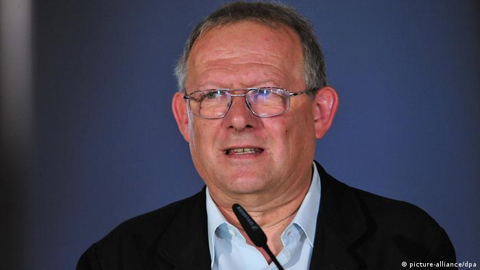 Der polnische Publizist Adam Michnik, aufgenommen am Sonntag (28.08.2011) in Weimar während der Verleihung der Goethe-Medaillen. Foto: Martin Schutt dpa/lth