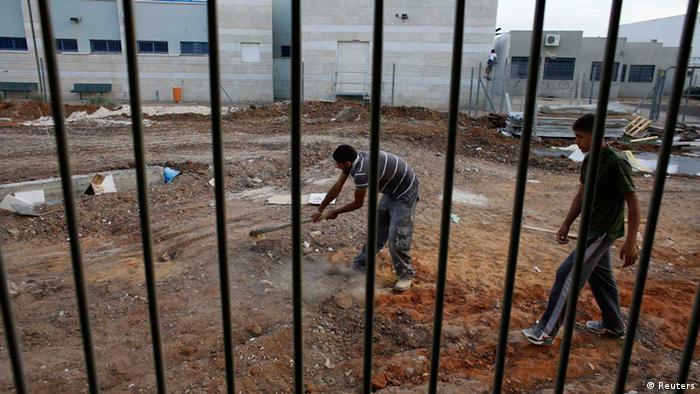Illegale Arbeiter auf einer Baustelle. REUTERS/Ammar Awad