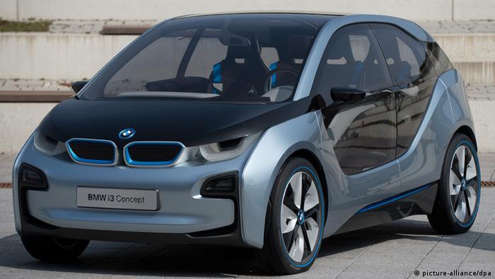 Автовиробники у ФРН інвестують у електромобілі