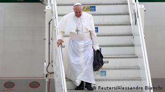 Ο Πάπας Φραγκίσκος επιστρέφει από τη Βραζιλία