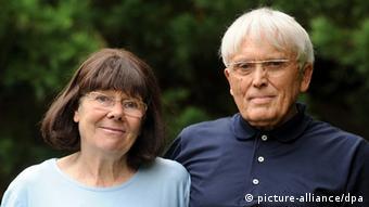 Schriftsteller Reiner Kunze mit seiner Frau Elisabeth (Foto: dpa)