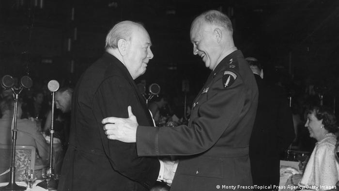 Churchill und Eisenhower 1952 Grosvenor (Monty Fresco/Topical Press Agency/Getty Images)