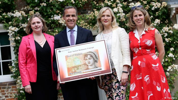 Conservative member of parliament Mary Macleod (L-R), Bank of England Governor Mark Carney, Labour and Co-operative member of parliament Stella Creasy and Women's Room co-founder Caroline Criado-Perez pose for a photo with the concept design for the new 10 pound note, featuring British 19th century novelist Jane Austen, at the Jane Austen House Museum in Chawton, near Alton, July 24, 2013. Austen will become the face of the new 10 pound note, the Bank of England said on Wednesday, defusing criticism that women are under-represented on the country's currency. REUTERS/Chris Ratcliffe/Pool (BRITAIN - Tags: BUSINESS POLITICS)