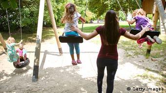 Работа с детьми - одно из основных направлений деятельности организаций россиян в Испании