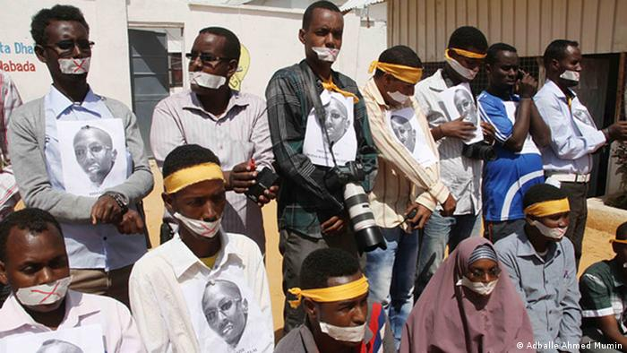 Protesting Somali journalists. (Photo: Adballe Ahmed Mumin)