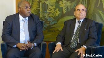 José Van-Dúnem com António Rendas, Reitor da Universidade Nova de Lisboa, numa conferência na capital portuguesa