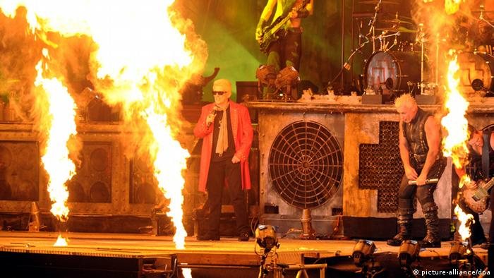 Heino and Rammstein at the Wacken Festival 2013 (picture-alliance/dpa)