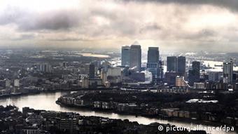 Вид на деловой квартал Лондона Кэнэри Уорф