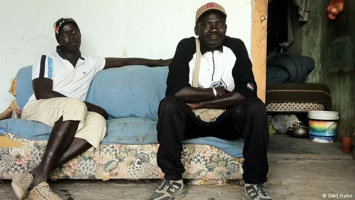 Ібра Мбаке Фалль та Нгор Сарр живуть у Фоджі
