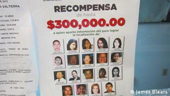 Poster with kidnapped people Copyright: James Blears, DW Mitarbeiter, Mexico July 201