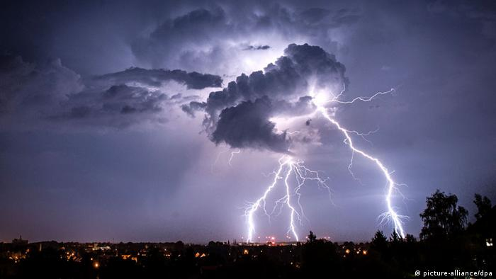 Lightning (photo: Florian Gaertner/dpa)