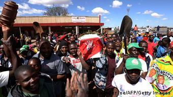 Anhänger der ZANU-PF (Foto: AFP)