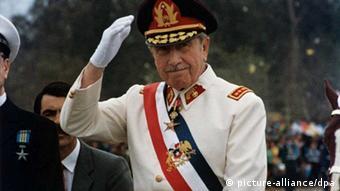 آگوستو پینوشه، دیکتاتور شیلی