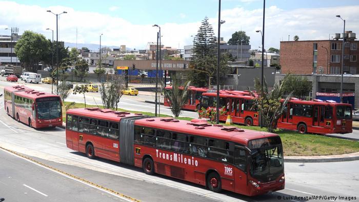 Transmilenio realiza alrededor de 2,5 millones de viajes al día.