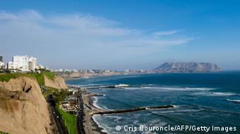 A view down the coastline towards Lima