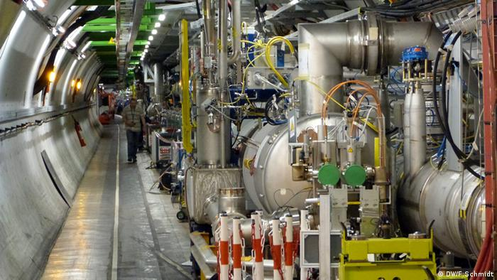CERN: LHC cooling Photo: Fabian Schmidt