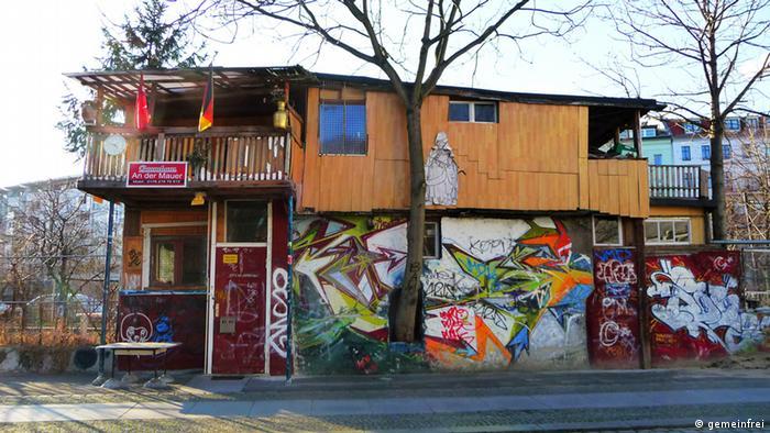 Baumhaus an der Mauer in Berlin-Kreuzberg, Foto: Wikicookie Data