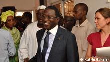 Soumaïla Cissé auf dem Weg zu einer Pressekonferenz in Bamako