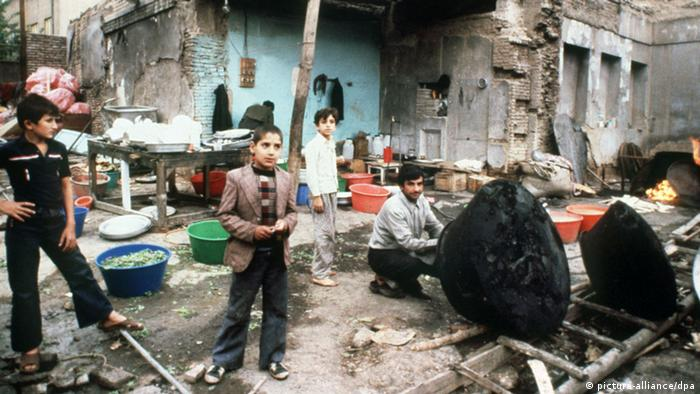 Krisen Iran Irak Irakische Schiiten im Iran (picture-alliance/dpa)