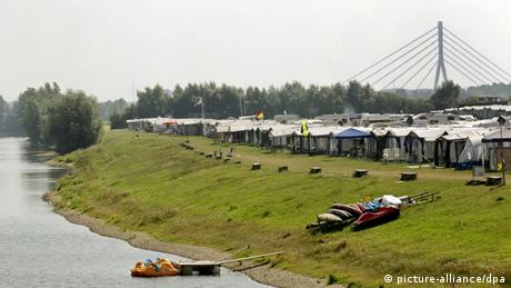 Camping spots along the banks of the Rhine at Grav Island, Wesel