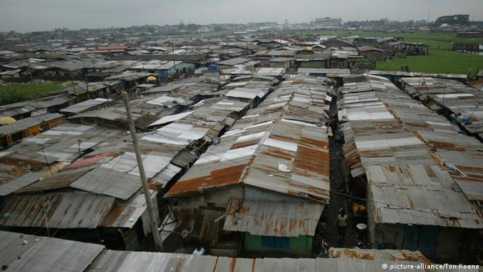 Slum area in Lagos (photo: picture alliance)