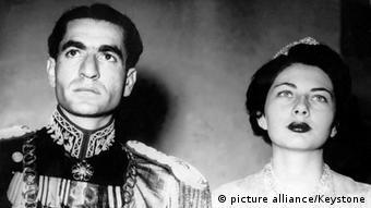 ثریا اسفندیاری پس از ازدواج با محمدرضا پهلوی از سال ۱۹۵۱ تا ۱۹۵۸ ملکه ایران بود