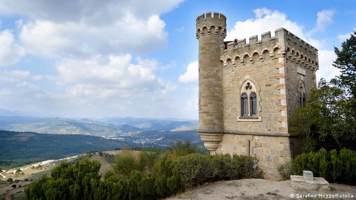 Die Burg von Rennes-le-Chateau in Frankreich. Fotolia.com