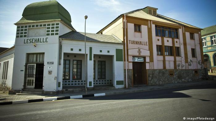 Häuser in Lüderitz (Foto: imago/Pfotodesign)
