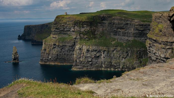 Cliffs of Moher #26773380 © Bettina Kuß - Fotolia.com