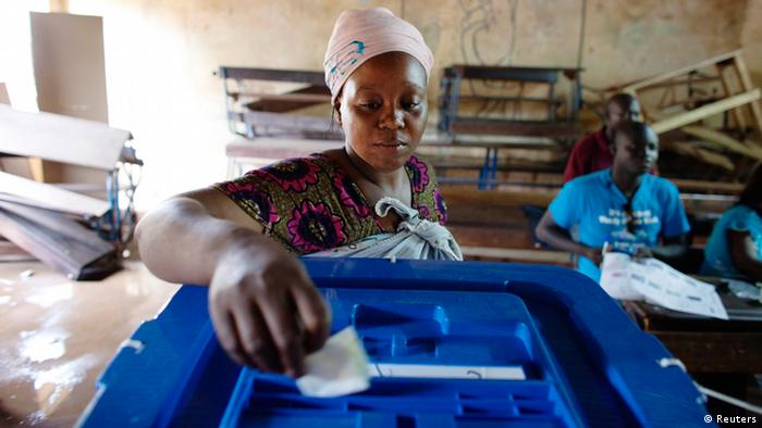 A woman votes during the second round of presidential elections in Bamako. (Photo: REUTERS/Joe Penney)