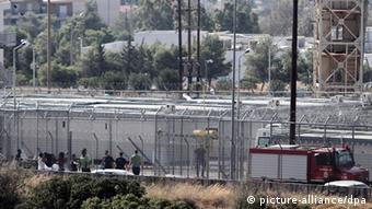 To προσφυγικό κέντρο της Αμυγδαλέζας