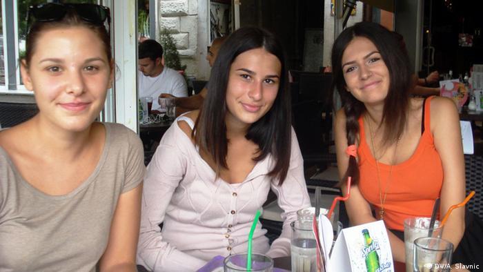Dušica (desno) planira otići tetki u Njemačku