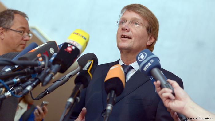 Ronald Pofalla, Comisia Parlamentară de Control